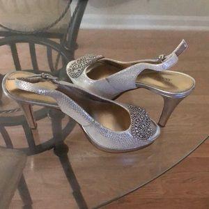 3.5in silver heels